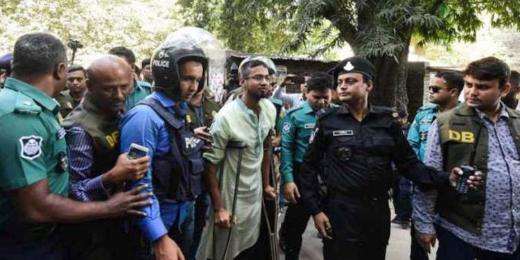 Accused outside court. Image credit: Urdupoint