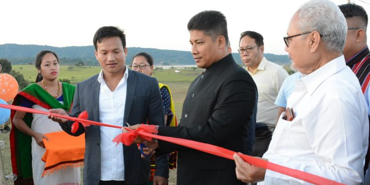 Assam minister of state for health and family welfare, Pijush Hazarika inaugurated the festival at Golf Course in Umrangsu.