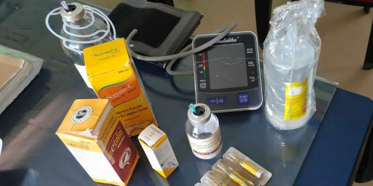 Medicines and equipment arrested from the fake doctor's possession. Image: Northeast Now