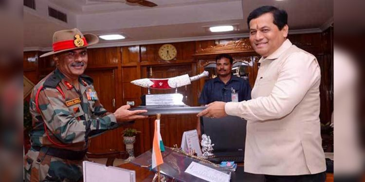 GOC Red Horns Maj Gen Deepak Mehra with Assam CM Sarbananda Sonowal