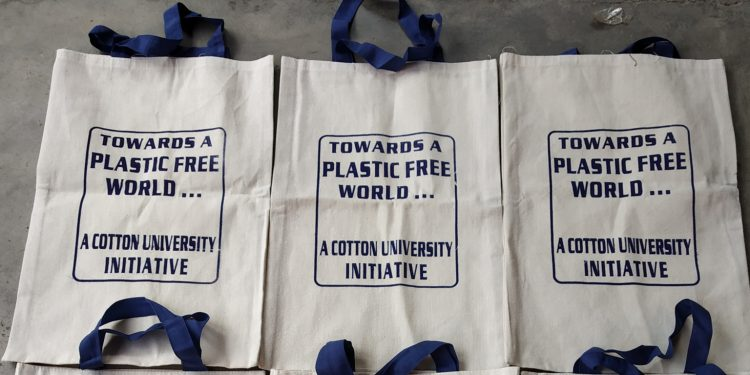 Khadi bags distributed for free in Cotton University