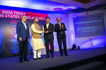 Arunachal Pradesh chief minister Pema Khandu receiving the award from union minister Prakash Javadekar in New Delhi. Image: Twitter @PemaKhanduBJP