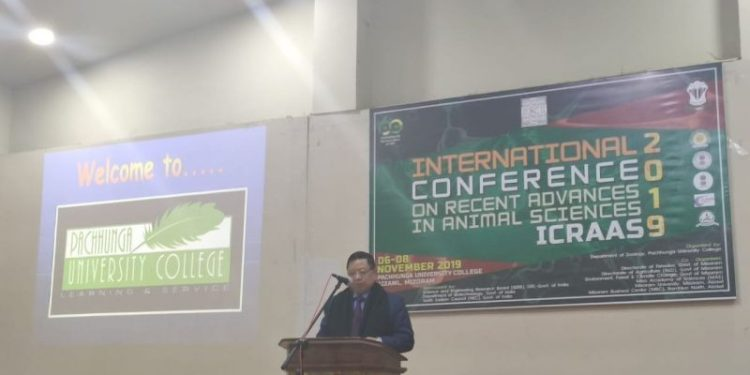 Mizoram minister for higher and technical education, Dr R Lalthangliana speaking as chief guest at the inauguration of the conference. Image: DIPR, Mizoram
