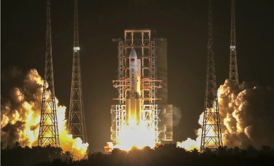 China launches giant Long March rocket as space race heats up