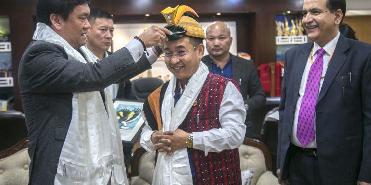 Arunachal PM Pma Khandu welcomes his Sikkim counterpart Prem Singh Tamang in Itanagar on Monday. Image: Northeast Now
