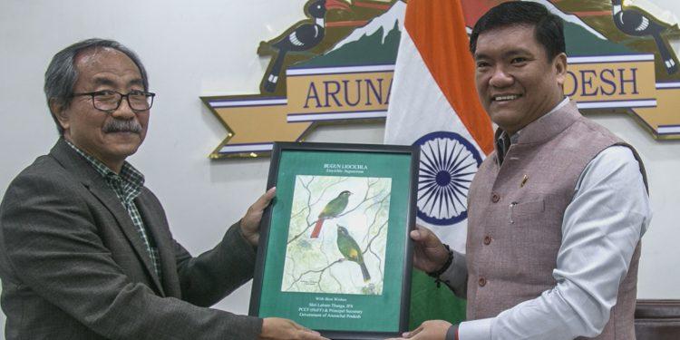 Arunachal CM Pema Khandu with Principal Chief Conservator of Forests Lalram Thanga. Image: Northeast Now