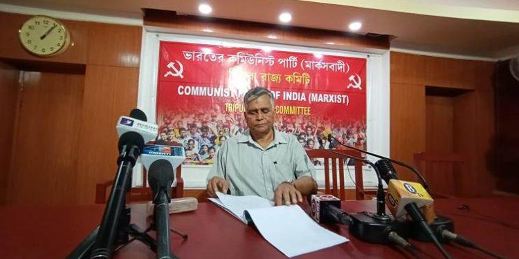 CPI (M) state secretary Goutam Das speaking to reporters in Agartala. (File image)