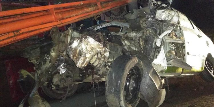 The force of the impact was such that the Tata Maza was completely mangled.