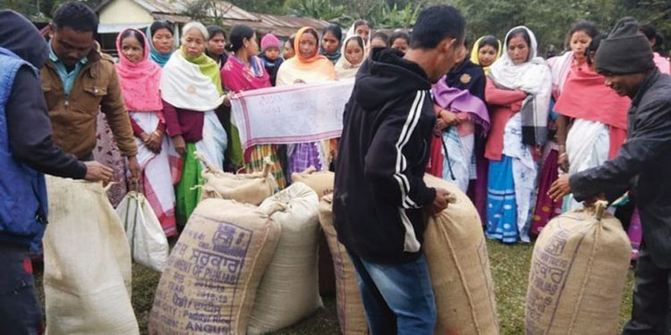 450 quintals of paddy collected so far have been kept in the AASU's Sasoni unit office