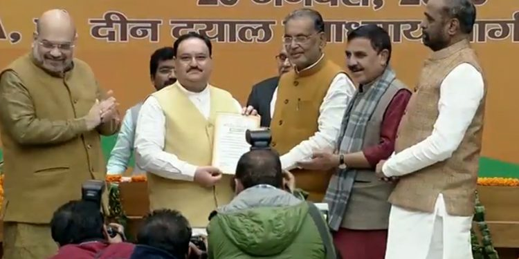 JP Nadda being feliciated after getting elected as BJP president. Image credit: @BJP4India