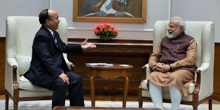 Mizoram CM Zoramthanga in conversation with PM Narendra Modi. Image: Northeast Now