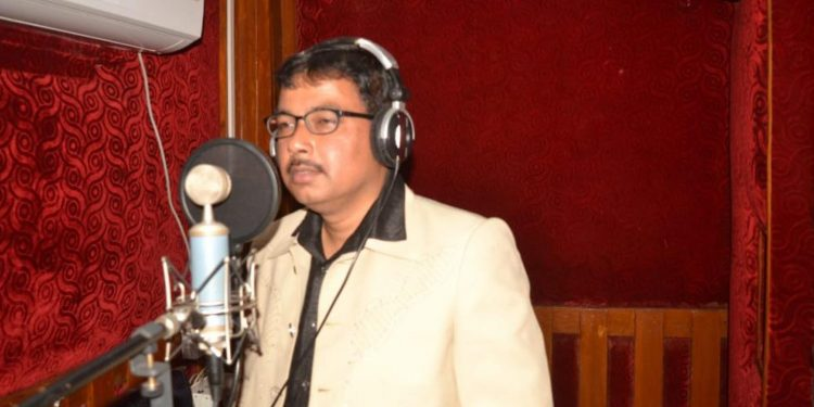 Ranjan Bezbaruah set to sing Goalparia folk song in Sanskrit. (File image)