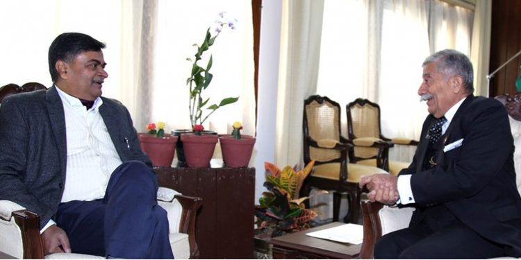MoS power RK Singh (left) with Arunachal Pradesh Governor Brig (Retd) BD Mishra. Image: Northeast Now