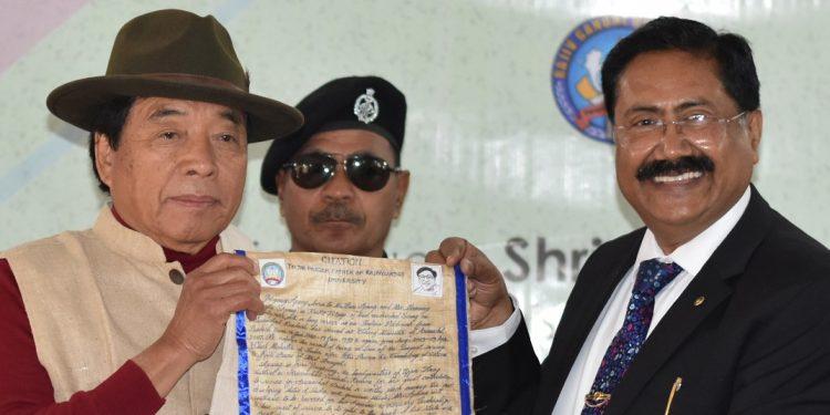 Former Arunachal Pradesh chief minister Gegong Apang (left) and Professor Saket Kushwaha during the event. Image: Northeast Now