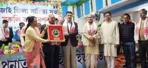 Assam: Asom Sahitya Sabha president, GS feted in Hojai 4