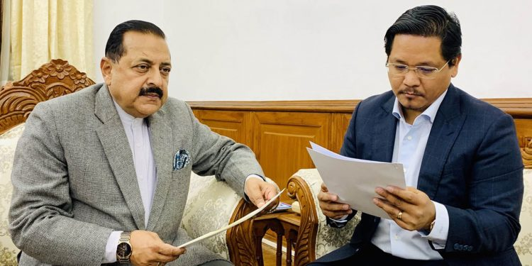 DoNER minister Jitendra Singh (lefty) with Meghalaya CM Conrad Sangma (right)