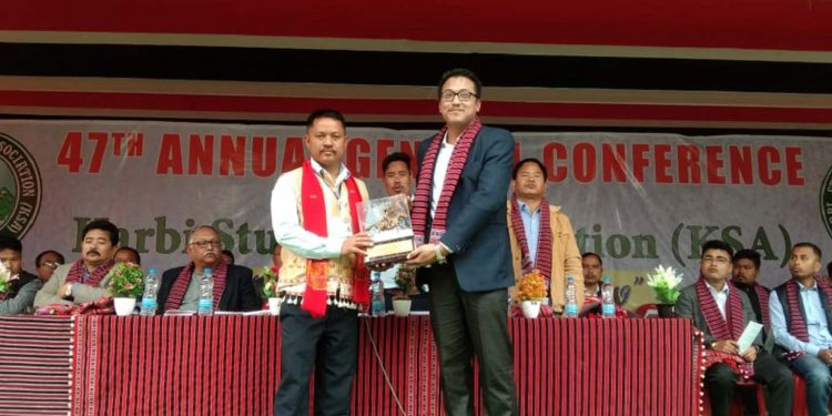 AMSU president Peter Laishram (right) being felicitated. Image: Northeast Now