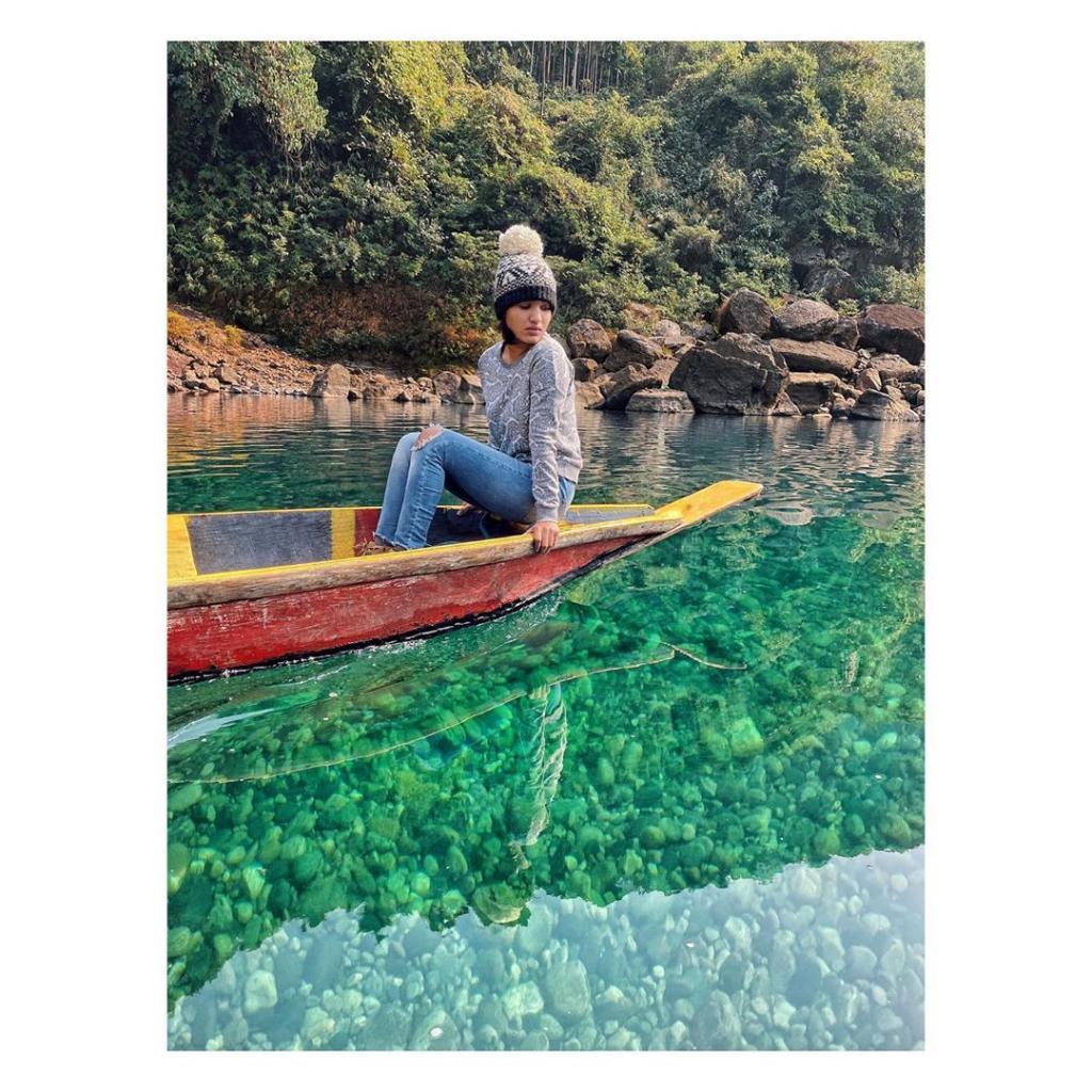Mollywood star Saniya Iyapan visits Meghalaya, photographs go viral 2