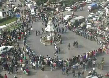 AASU human chain in Tezpur on Saturday. Image: Northeast Now