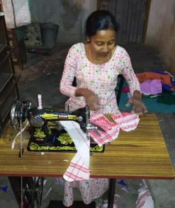 COVID-19: Gamosa styled face masks by rural entrepreneur wins hearts in Assam's Lakhimpur 1