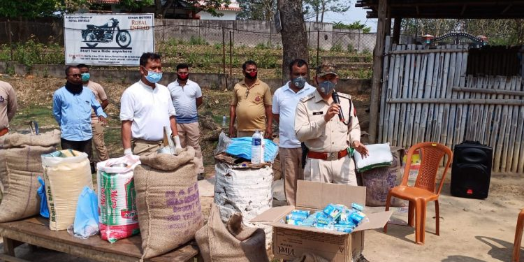 Karbi Anglong police have distributed food items including rice, dal and soaps among a hundred daily wagers and slum dwellers. (File image)