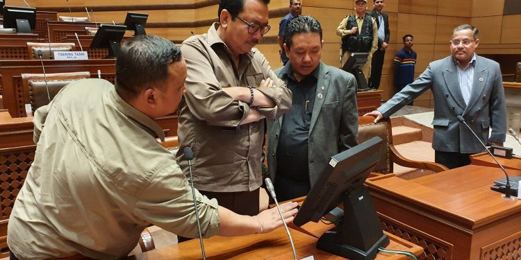 Assembly speaker Pasang Dorjee Sona  said that the fourth session of the Assembly will take place on e-Vidhan platform.