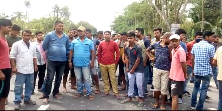 angry people blocked the NH 15 at Bardubia area to protest the incident.