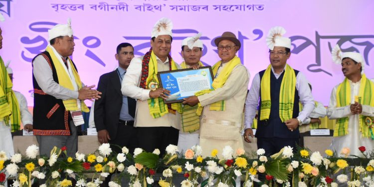 Assam CM arbananda Sonowal being felicitated at the Central Khring Khring Baithow Puja in North Lakhimpur district on Monday
