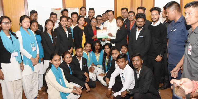 Assam CM Sarbananda Sonowal along with the students of Raha College and Dr BKB College of Nagaon