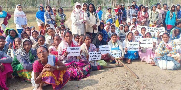 Tea garden workers staging demonstration in Dibrugarh. Image: Northeast Now