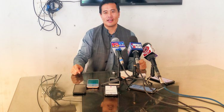 Manipur government spokesperson Th Biswajit addressing the media in Imphal on March 23, 2020.
