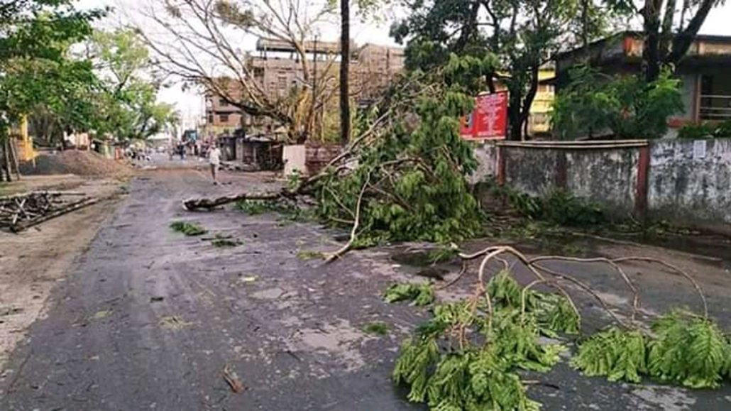 Assam: Cyclonic storm lashes Karimganj, lightning claims 1 in Cachar 3