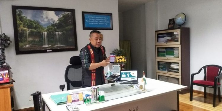 State information and communication technology (ICT) minister Robert Romawia Royte launching mCOVID-19 mobile application in Aizawl on April 3, 2020. Image: Northeast Now