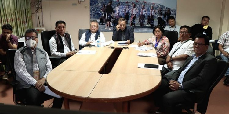 Mizoram agriculture minister C Lalrinsanga and others during video conferencing with Narendra Singh Tomar. Image: DIPRO