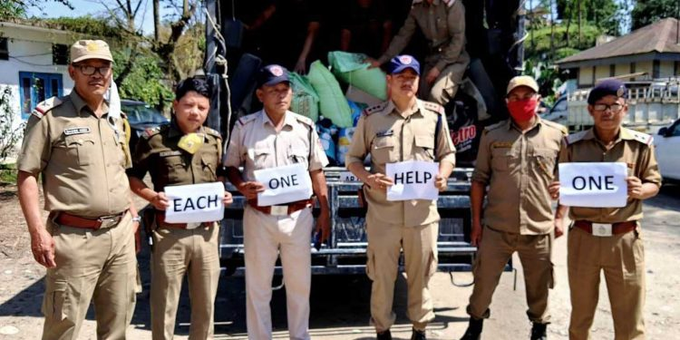 West Siang police at the launch of 'Each One, Help One', a campaign. Image: Northeast Now