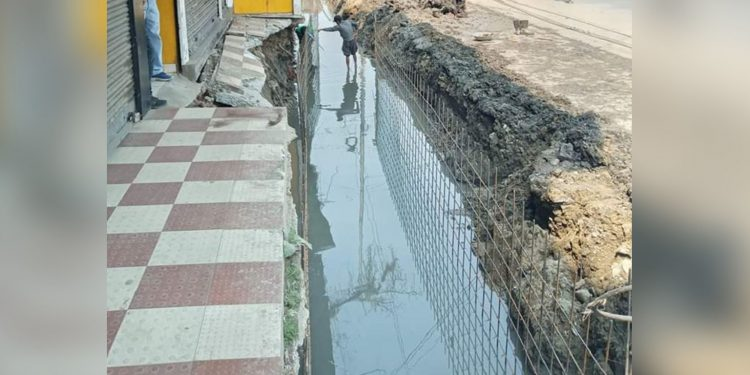 A half-constructed drain in Dibrugarh town. Image: Northeast Now