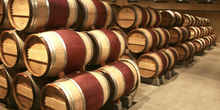 1 billion litres of wine in Europe could disappear due to a lack of storage 1