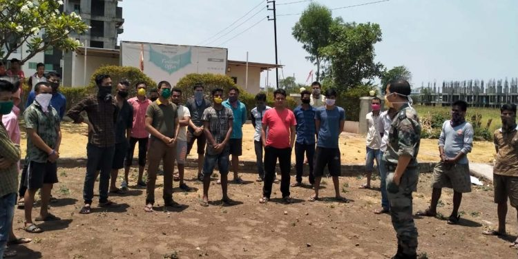 People from Assam stranded in Maharashtra