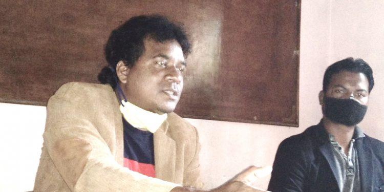 AASAA president Pradeep Nag addressing a press conference at Tangla Press Club on Thursday. Image: Northeast Now