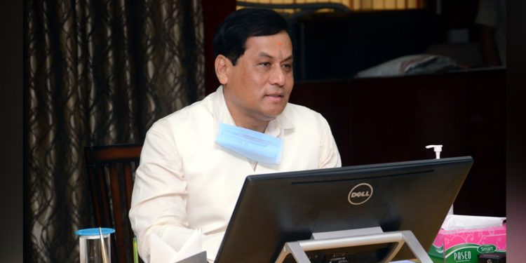 Assam CM Sarbananda Sonowal in a meeting with the economic advisory committee