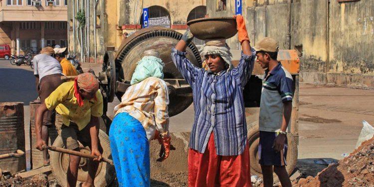 unorganised workers, petty traders