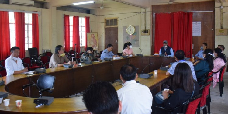 The meeting also decided that the hardware shops will open from 6 am to 10 am.