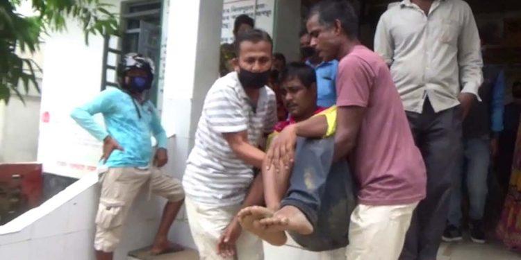 Drug dealer attacks policeman