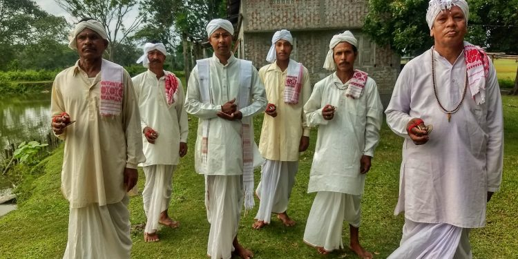 A Ojapali cultural troupe rehearses during lockdown at Bhuyankhat village in Udalguri district. Image: Northeast Now