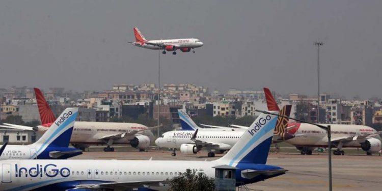 Air passengers planes aircraft