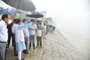 Assam Governor visits flood hit Baksa and Barpeta districts 4