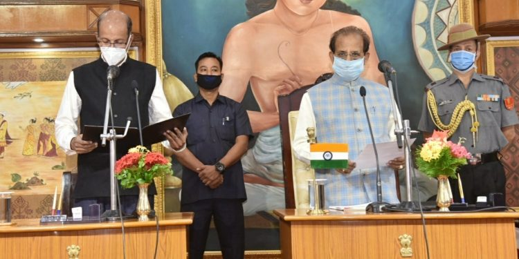 Assam governor Jagdish Mukhi administered the oath of office to them.