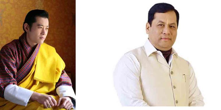 King of Bhutan Jigme Khesar Namgyel Wangchuck (left) thanks Assam CM Sarbananda Sonowal (right)