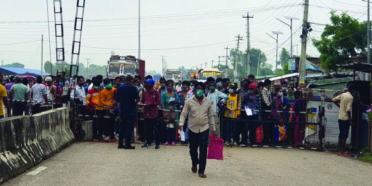 Around 40,000 Indian nationals returned home during the same time via the border point.