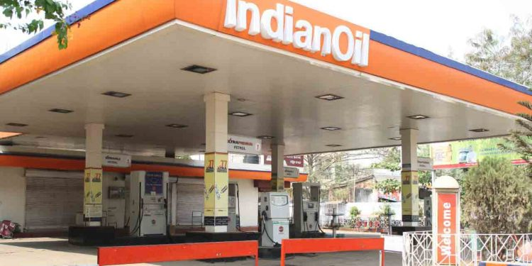 Indefinite closure of petrol pump in Greater Guwahati from Monday 1